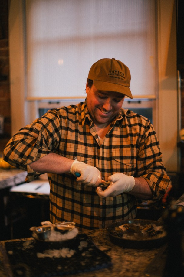 how-to-shuck-oysters-filson-10-608x912.jpg